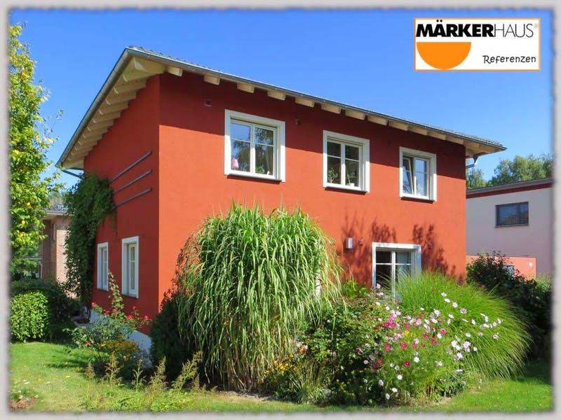 Rote Stadtvilla von Märker Massivhaus