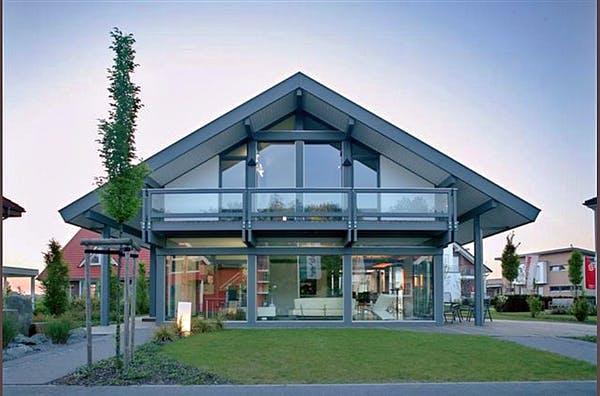 Modernes Fachwerkhaus mit Glas