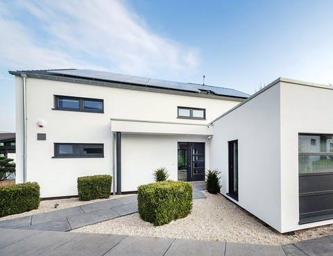 Einfamilienhaus Musterhaus Bad Vilbel von OKAL Haus ...