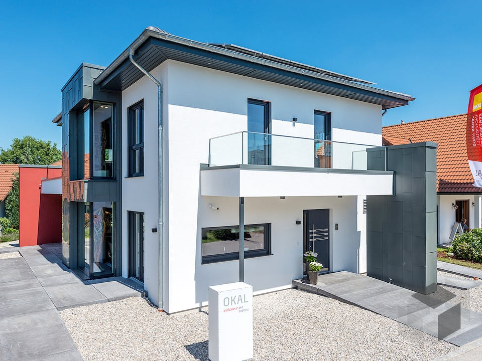 Musterhaus Poing von OKAL Haus Außenansicht