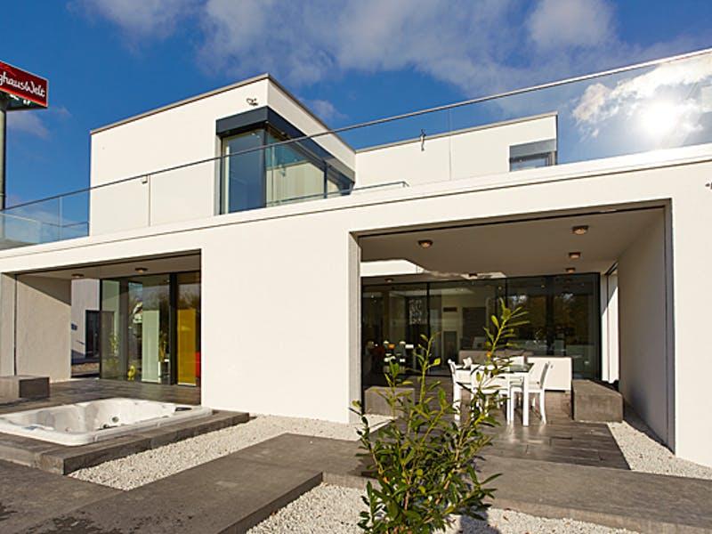 Modernes Fertighaus von OKAL Haus
