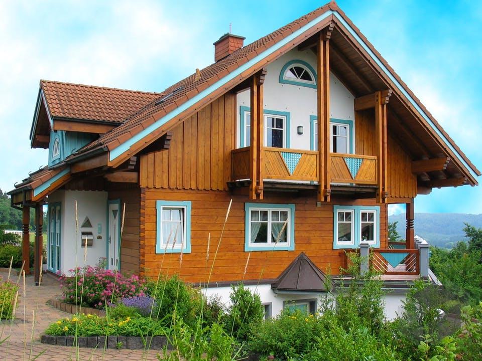 Palazzo von Tirolia Blockhaus Außenansicht