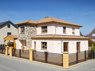 Stadtvilla Mediterran von petershaus Außenansicht 1