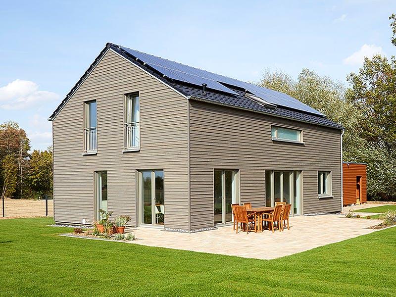 Satteldachhaus aus Holz von Roreger Hausbau
