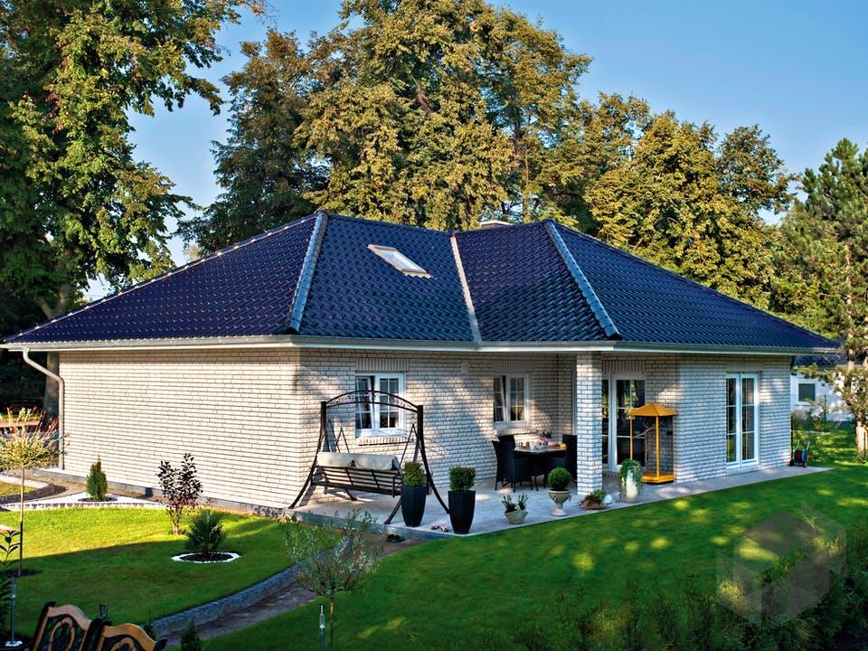 Winkelbungalow Ahlbeck von Roth-Massivhaus Außenansicht
