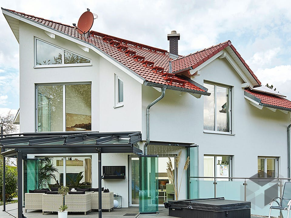 Satteldach Landhaus 144 von LUXHAUS Außenansicht
