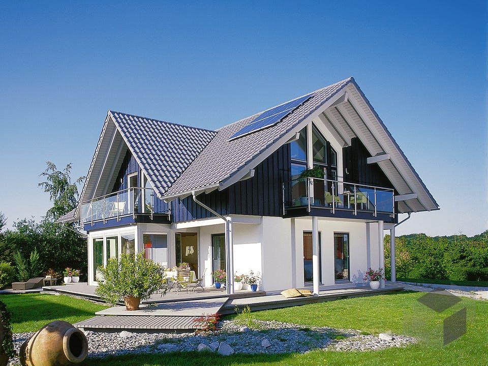 E 15-205.1 - Haus mit Wintergarten von SchwörerHaus Außenansicht