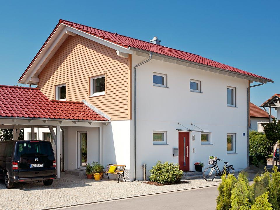 E 20-164.3 - Haus mit Erker-Balkon von SchwörerHaus Außenansicht