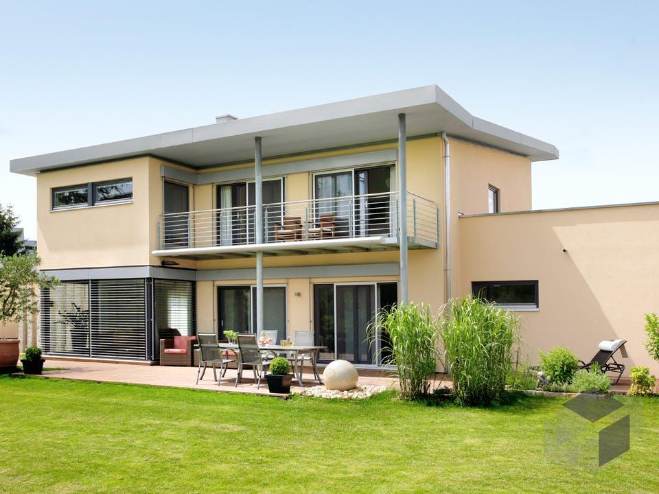 E 20-198.1 - Einfamilienhaus mit Z-Dach von SchwörerHaus Außenansicht