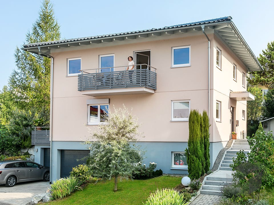 E 20-173.3 - Stadtvilla in Hanglage von SchwörerHaus Außenansicht