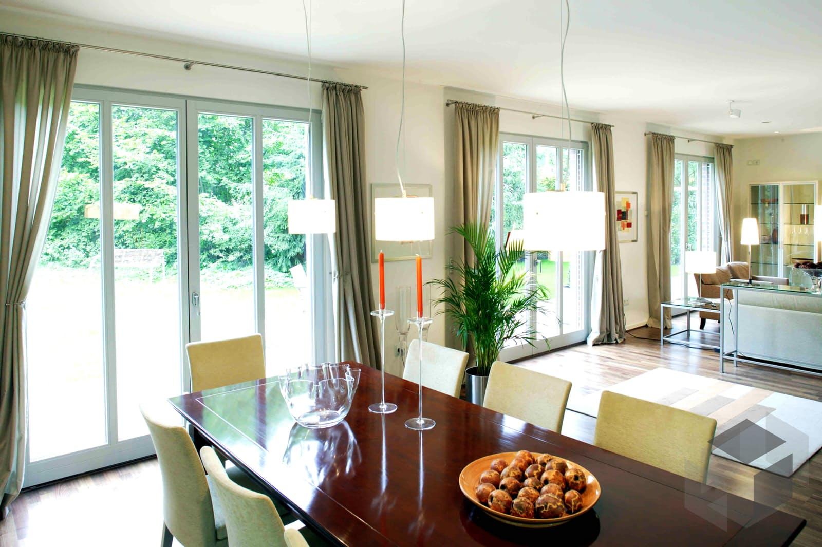 Stadtvilla von haacke haus klassisch individuell for Stadtvilla klassisch