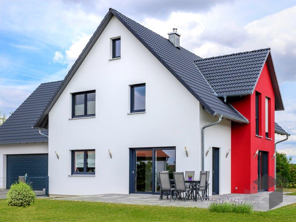 Einfamilienhaus mit Garage Var. 2 von Ziegler Haus Außenansicht