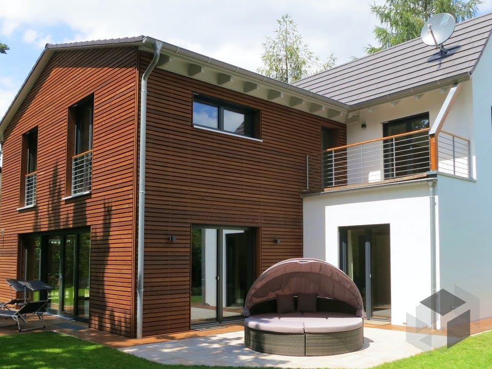 Einfamilienhaus mit Keller & Carport von Ziegler Haus Außenansicht