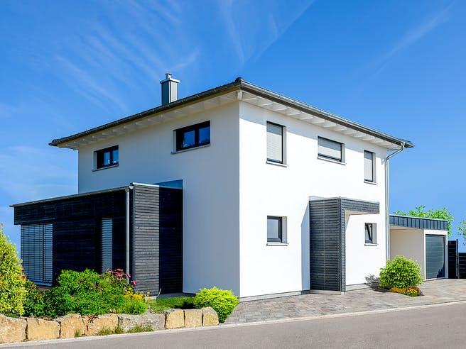 Einfamilienhaus mit Carport & Garage von Ziegler Haus Außenansicht 1